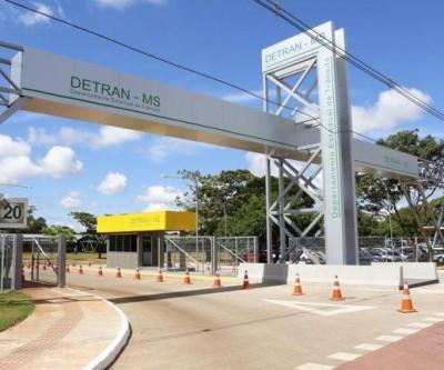 Denúncia liga despachantes e garagistas a esquema de propinas com ECVs no Detran-MS