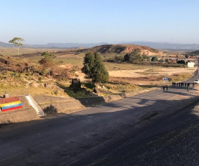 Fronteira entre Brasil e Venezuela, em Pacaraima, amanhece fechada pelo 8º dia