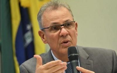 Governo quer reposicionar Eletrobras como investidor, diz ministro