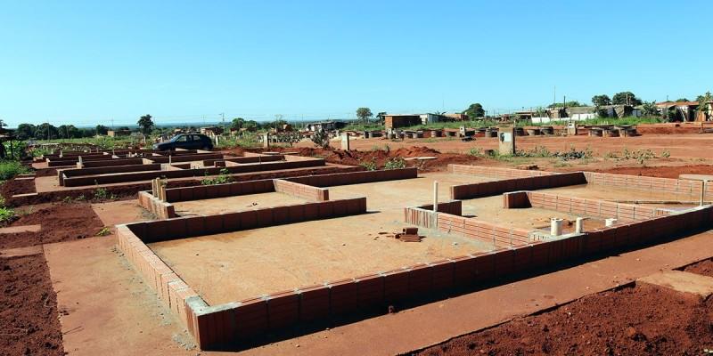 Licitação é aberta para construção de casa para 146 famílias que moram em barracos