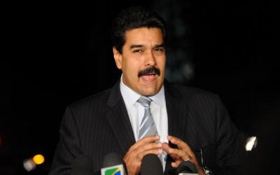 Maduro pede renúncia de ministros, após apagão
