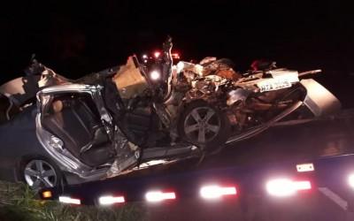 Pai, mãe e filha morrem em colisão com caminhão frigorífico em rodovia de MS