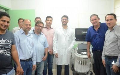 Deputado estadual Eduardo Rocha entrega aparelho de ultrassonografia para Paraíso das Águas