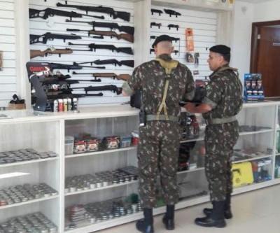 Exército faz operação contra venda irregular de armas e munições em MS