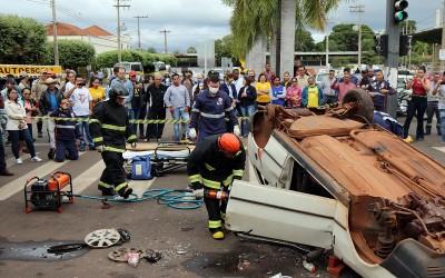 Simulação de acidente choca três-lagoenses no Centro da Cidade