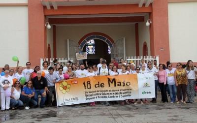 Assistência promove caminhada em defesa de direitos e luta contra abuso e exploração sexual