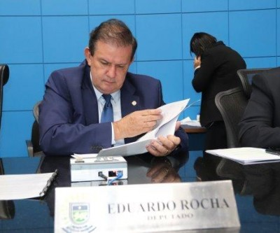 Eduardo Rocha apresenta indicação e solicita melhorias em estradas