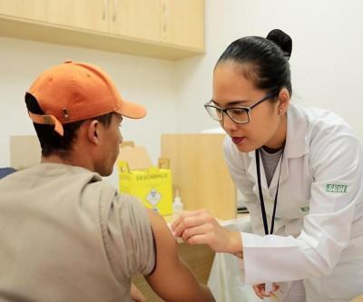 Sesi de Três Lagoas abre campanha de vacinação contra a gripe para a comunidade