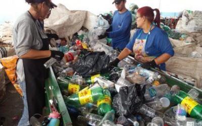 Meio Ambiente e Cooperativa Arara Azul recolhem mais de 1 tonelada de lixo reciclável no Campeonato de Motocross