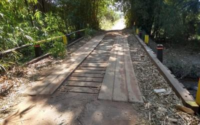 Prefeitura de Três Lagoas registra boletim de ocorrência por furto de madeiras de ponte rural recém reformada