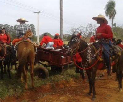 14ª Cavalgada do Arapuá reúne 4 mil pessoas no resgate da cultura popular sertaneja