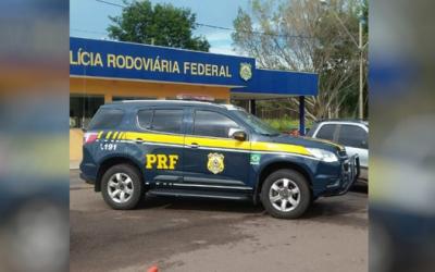 Com carro furtado e drogas, homem é preso em flagrante pela PRF na BR 262 em Três Lagoas