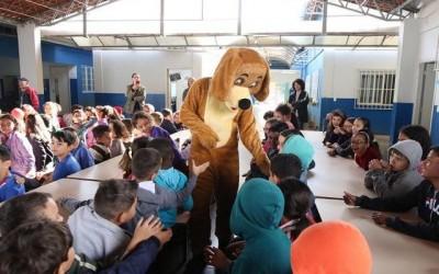 Escola do Santa Rita recebe equipe do CCZ para prevenção da Leishmaniose