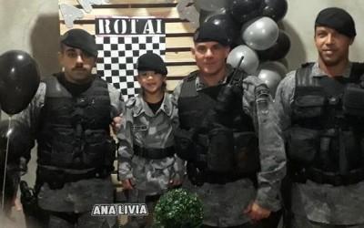 Força Tática participa de festa de aniversário de garota fã da Polícia, em Três Lagoas (MS)