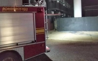 Incêndio destrói quarto em casa noturna de Três Lagoas