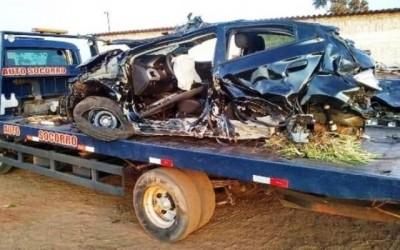 Colisão envolvendo dois carros deixou danos e feridos durante a madrugada na MS-134