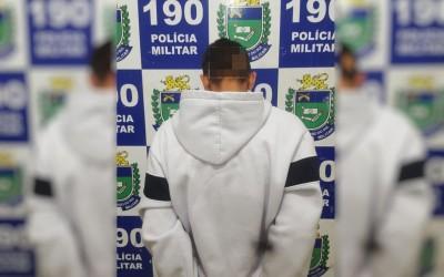 Homem com porções de crack é preso em flagrante por tráfico de drogas no bairro Santos Dumont