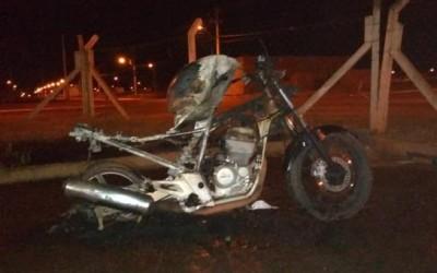 Motocicleta é incendiada no residencial Orestinho em Três Lagoas
