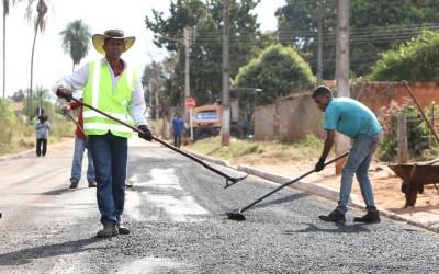 Ruas do Arapuá recebem recapeamento com recursos próprios da Prefeitura de Três Lagoas
