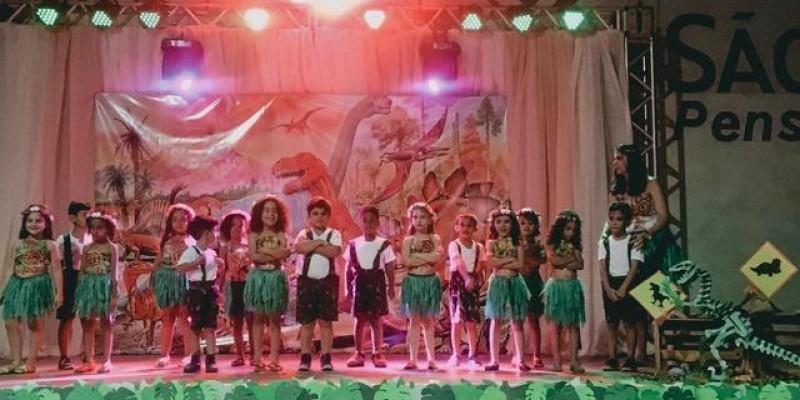 """CEI Interlagos ouve alunos e trabalha tema """"Dinossauros"""" em sala de aula"""