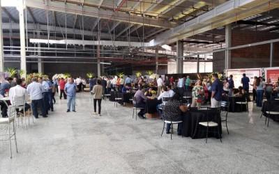 Festa da Cumeeira reúne lojistas, empresários e autoridades no Shopping Três Lagoas