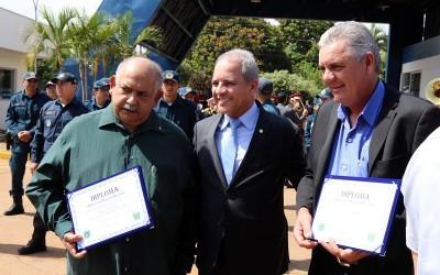 """Prefeito de Três Lagoas recebe homenagem de """"Amigo da Polícia Militar"""""""