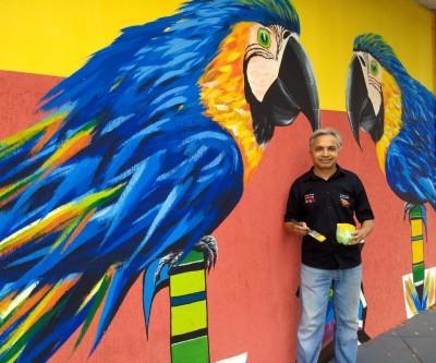 Artista plástico Hariym Teixeira realiza pinturas que embelezam a cidade de Três Lagoas