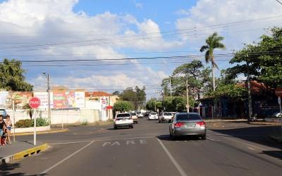 Para melhorar o trânsito em Três Lagoas, Prefeitura instala seis novos semáforos