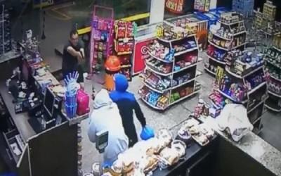 Policial de MS à paisana impede assalto em conveniência e acaba ferido a tiros no PR