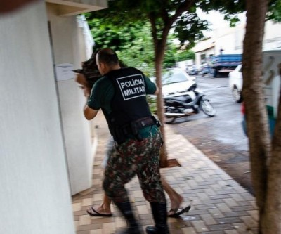 Três dias após matar esposa e corretor de imóveis, PM se entrega à polícia