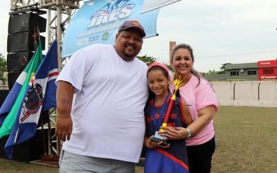 Famílias três-lagoenses prestigiam 3º JAES no estádio da ADEN