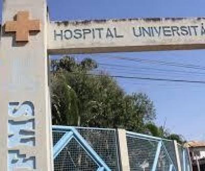 À espera do parto das esposas, homens se conhecem em hospital e decidem roubar lanchonete