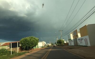 Temperatura cai e final de semana deve ser chuvoso em Três Lagoas