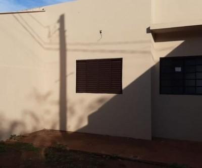 Vende-se casa nova em Três Lagoas por R$ 100 mil, pronta pra financiar
