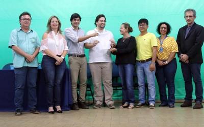 CONCURSO PÚBLICO – Servidores tomam posse para trabalhar na Saúde e na Assistência