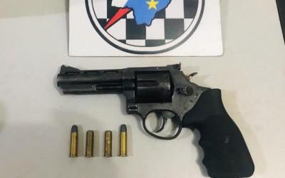 PM apreende arma de fogo e evita homicídio em Três Lagoas