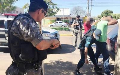 Medo em abordagem leva à prisão de jovem no Paranapungá