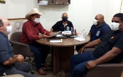 Prefeito de Três Lagoas recebe Sindicato dos Trabalhadores no Transporte Rodoviário da Região em seu gabinete