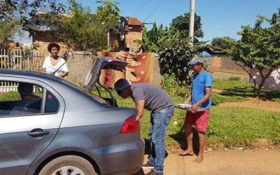 Ação Solidária: Amigos servem marmitas para famílias carentes em Três Lagoas