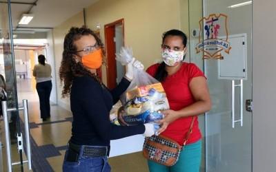 Prefeitura de Três Lagoas inicia a entrega dos kits alimentação escolar aos alunos cadastrados no Bolsa Família