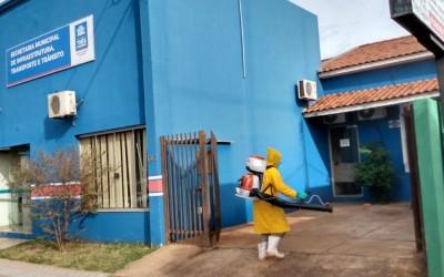Vigilância Sanitária e Endemias realizam diariamente ações de sanitização de locais públicos de Três Lagoas contra a COVID-19