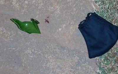 Homem tenta matar ex com garrafa quebrada e foge antes da polícia chegar