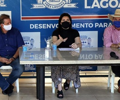 Prefeito acompanha Simone Tebet em entrega de R$ 5 milhões ao Hospital Auxiliadora