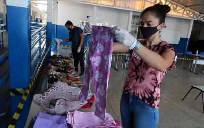 Bazar Solidário – Escola continua doando roupas e calçados e arrecadando peças em bom estado
