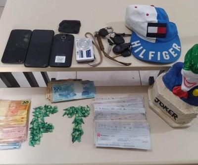 Dupla é presa por tráfico de drogas na Vila Guanabara em Três Lagoas
