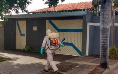 Saúde divulga monitoramento semanal de casos de Dengue e bairros mais infestados recebem bloqueio químico
