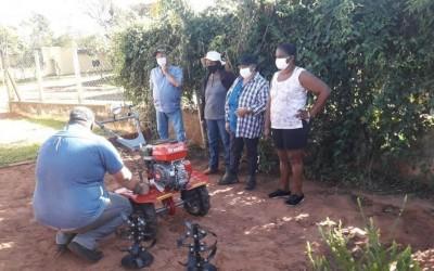 Com apoio da Suzano, agricultores familiares recebem maquinários agrícolas para melhorar a produção em Três Lagoas e região