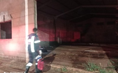 Homem espancado é encontrado inconsciente dentro de barracão na Av. Clodoaldo Garcia