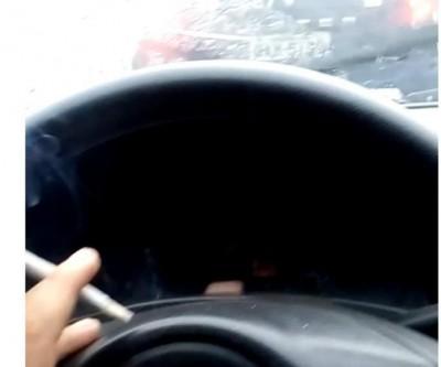 Homem preso após fumar maconha atrás de viatura da PM diz: