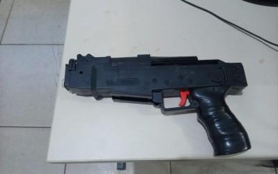 Perseguição na área central termina em prisões e apreensão de simulacro de arma de fogo